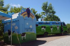 A detour to check out the Ben and Jerry's factory and get some Vermont maple syrup. Ben Und Jerry, Usa Travel, Travel Advice, Maple Syrup, Vermont, Road Trip, Road Trips