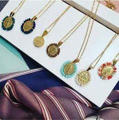 Pynt deg med disse fine medaljongene:) Portugal, Alex And Ani Charms, Sparkle, Charmed, Bracelets, Jewelry, Charm Bracelets, Bijoux, Bracelet
