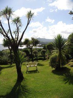private garden in Glengarriff, County Cork. Creativity and inspirations from Ireland Kreativ-Alltag im blauen Cottage in Irland: Irland | Ireland