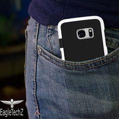 Esse é o estilo que protege. Independente do smartphone que tem sabe o que tem. EagleTechZ seu smartphone também! 😍👉 https://eagletechz.com.br @eagletechz #eagletechz  #capinhascelular  #capinhaseagletechz #eaglecase