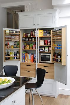 Beautifully Organized (& Clever!) Pantries (via Bloglovin.com )