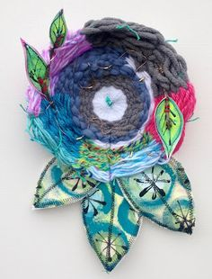Made by Nicole: Nature inspired Circle Weaving #weaving #mixedmedia