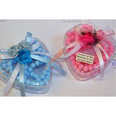 Güllü Kalp Tesbih, Özel kalpli hediye kutusunu güller ve fiyonklarla süsledik ve kurunun içine gül rengi tesbihler koyduk. Pengu Bebek