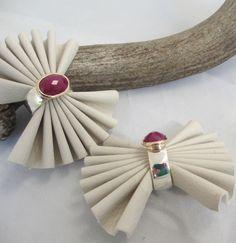 Two Tone Ruby rings Ruby Rings, Costume Jewelry, Jewelry Design, Jewelry Making, Jewels, Jewellery, Bijoux, Jewelry Shop, Jewerly