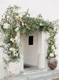 Green + white flower wedding arch  // @allisonnkelleyy
