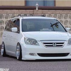 Honda Van, 2007 Honda Odyssey, Vans Bags, Mini Vans, Chrysler Pacifica, Cool Vans, Busse, Custom Vans, Station Wagon