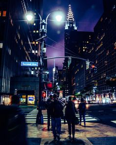 NYC - Night street lights #nikon #nikonitalia #nikonphotography #nikon_photography #nikonphotographers #architecture #iamnikon #streetphotography #building #nyc #ig_nycity #newyork #icapture_nyc #pictures_of_newyork #igersofnewyork #igersofnyc #newyork_ig #newyorklike #loves_nyc #beatifuldestinations #ig_northamerica #newyorkcity #newyorknewyork #ignewyork #nightlights #street #chryslerbuilding #manhattan