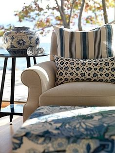 Sarah Richardson Design - Sarah's Cottage - Living Room -- Great mix of fabric patterns Cottage Living Rooms, Living Room Decor, Coastal Living, Dining Room, Salons Cottage, Shabby, Living Room Update, South Shore Decorating, Home And Deco