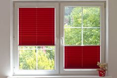 #red #window #cosimo #pleatedblinds #plisa #room