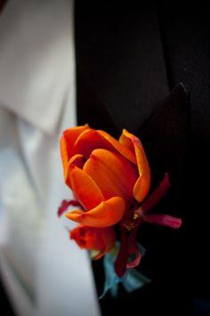 New Ideas wedding flowers tulips red Tulip Wedding, Yellow Wedding Flowers, Wedding Orange, Wedding Dress, Classic Wedding Invitations, Wedding Favors Cheap, Rustic Wedding Centerpieces, Wedding Reception Decorations, Wedding Budget Percentage