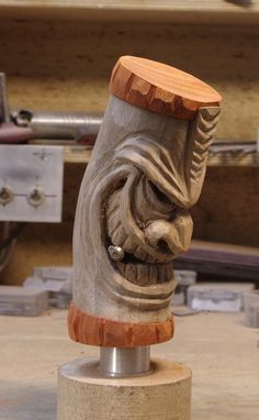 Tiki carving: shifter
