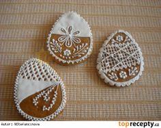 Velikonoční perníčky od Nadi Stencil Diy, Cookie Decorating, Sweets, Decorated Cookies, Food, Christmas Ideas, Holidays, Stitch, Places