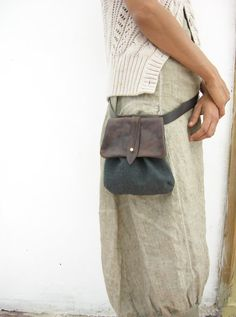 RETRO LOOK Hip Bag - Fanny Pack - Leather and Canvas - Traveler Bag - Utility Hip Belt - Hip Pouch