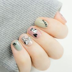 Adding some glitter nail art designs to your repertoire can glam up your style within a few hours. Check our fav Glitter Nail Art Designs and get inspired! Cute Nail Art, Cute Nails, Pretty Nails, Nail Art Designs, Nail Designs Spring, Cute Spring Nails, Spring Nail Art, Snoopy Nails, Flower Nail Art