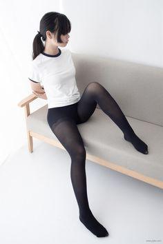 Women With Beautiful Legs, Beautiful Japanese Girl, Beautiful Asian Girls, Female Pose Reference, Pose Reference Photo, Maid Cosplay, Cosplay Girls, Cute Asian Girls, Cute Girls