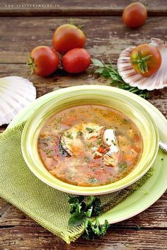 Ciorba de peste - romanian fish soup Bulgarian Recipes, Indian Food Recipes, Italian Recipes, Ethnic Recipes, Soup Recipes, Diet Recipes, Cooking Recipes, Fish Soup, Sour Soup