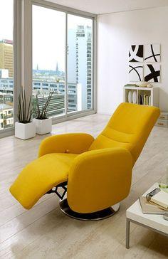 Relaxsessel Orion | Der in strahlend Gelb gehaltene Sessel garantiert nach  einem stressigen Tag besten Sitzkomfort