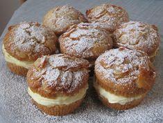 Bienenstich-Muffins – In Roast Recipes, Gourmet Recipes, Pastry Recipes, Baking Recipes, Nutella, Cake Pops, Bienenstich Recipe, Herring Recipes, Crostata Recipe