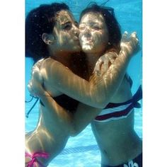 hug under water with my best friend arden:)) <3 youu:)) #arden:))