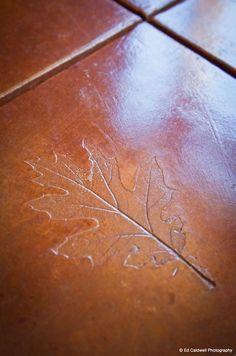 Etched leaf design i