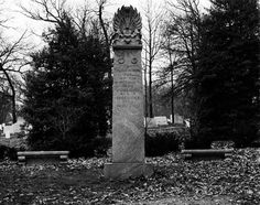 """Grave Marker- Helen Taft, (1 of 2) Helen Louise Herron """"Nellie"""" Taftwas the wife of William Howard Taft and First Lady of the United States from 1909 to 1913. She died on May 22, 1943, and was buried next to the president at Arlington National Cemetery. http://www.thefuneralsource.org/deathiversary/may/22.html"""