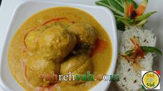 Chicken koftas korma in a mild khorma gravy which is nutty and aromatic and has a special unique aroma and goes very well with roties and naan and pulaoo htt. Meat Recipes, Indian Food Recipes, Chicken Recipes, Recipe Chicken, Chicken Balls, Sausage Potatoes, Indian Chicken, Korma, Meat Chickens