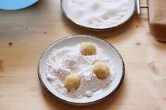 Fursecuri cu nuca de cocos (reteta fara unt) Unt, Baking, Recipes, Food, Bakken, Recipies, Essen, Meals, Ripped Recipes