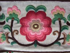 Hungarian embroiderey Nagykunsagi himzes Notice the detail