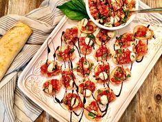 Tomato Bruschetta with Mozzarella and Basil Authentic Italian Pizza, Classic Salad, Tomato Bruschetta, Bread Alternatives, Balsamic Reduction, Plum Tomatoes, Fresh Mozzarella, Base Foods, Yummy Appetizers