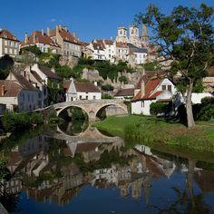 Semur-en-Auxois © Sylviane Moss