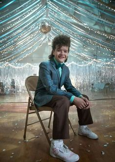 "Gaten Matarazzo behind the scenes of ""The Gate"". Stranger Things Upside Down, Watch Stranger Things, Stranger Things Season, Baby Crush, Will Byers, Don T Lie, Cinema, Shadow Hunters, Snowball"