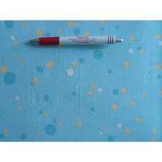 LOTTA: 7353-18 gyerek tapéta. Világoskék alapon középkék-sárga-fehér pöttyökkel. Papír tapéta ragasztóval a falat és a tapéta hátoldalát is kell kenni. Pencil