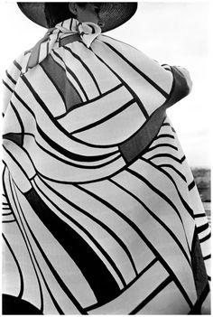 5 Mondrian Fashion by Saint-Laurent Madrid, 1967 Photo Frank Horvat