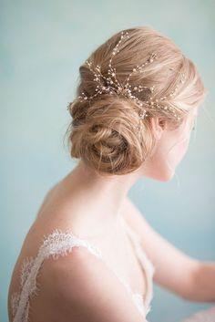 photo: Sandra Fazzino… – hair and beauty Romantic Wedding Hair, Mod Wedding, Chic Wedding, Wedding Trends, Perfect Wedding, Wedding Vows, Wedding Attire, Trendy Wedding, Garden Wedding
