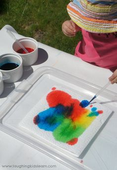 dropper toddler preschooler painting activity use coffee filter instead of paper towel. Preschool Painting, Preschool Colors, Preschool Science, Painting For Kids, Art For Kids, Mouse Paint Activities, Painting Activities, Color Activities, Learning Colors