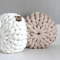 Arm Knitting, Home Accessories, Diys, Throw Pillows, Crochet, Knitwear, How To Make, Room, Baby