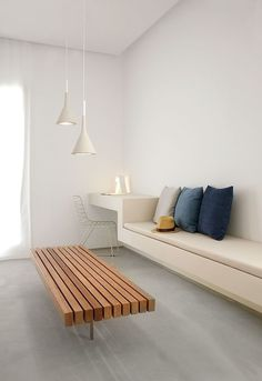 Modern Minimalist House Design with White Color : Minimalist House Centre Room Sofa Sets Three Pillows Wooden Table