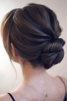 27 Formal Hairstyles Will Show You What The Elegance Is Your long-awaited special occasion is just around the corner and you'd like to find some easy-to-do hairstyles? You are in the right place, girl. Here we show you the latest formal hairstyle trends. Formal Hairstyles For Short Hair, Easy To Do Hairstyles, Easy Hairstyles, Wedding Hairstyles, Halloween Hairstyles, Quinceanera Hairstyles, Hairstyles Videos, Baddie Hairstyles, School Hairstyles