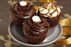 Čokoladni mafini - Yumama.com Torte Recepti, Kolaci I Torte, Mafini Recepti, Baking Recipes, Cookie Recipes, Dessert Recipes, Torte Cake, Strawberry Recipes, Cake Cookies