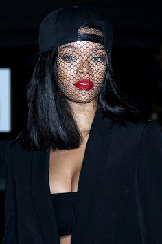 Rihanna at the Givenchy fashion show. Rihanna Love, Rihanna Riri, Rihanna Style, Rihanna Baby, Cute Celebrities, Celebs, How To Wear Belts, Playboy, Bad Gal