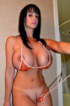 image Summer cummings playing with her big tits