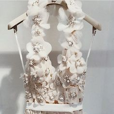 62 Ideas for bridal couture embroidery dress styles Couture Embroidery, Embroidery Dress, Dresses Elegant, Beautiful Dresses, Gorgeous Dress, Bridal Gowns, Wedding Gowns, Kleidung Design, Couture Details