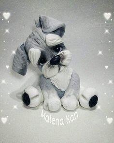Cachorrinhos em biscoito Polymer Clay Animals, Polymer Clay Dolls, Polymer Clay Crafts, Clay Fairy House, Clay Cats, Fondant Animals, Animal Cakes, Dog Cakes, Cute Clay