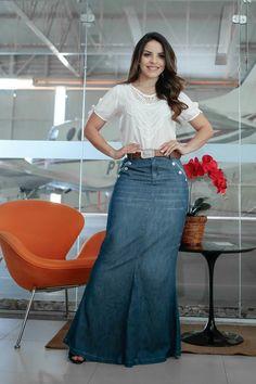Best how to wear denim skirt dresses 46 ideas Demin Skirt Outfit, Jean Skirt Outfits, Denim Skirt, Dress Skirt, Modest Dresses, Modest Outfits, Modest Fashion, Jeans Rock, Look Fashion