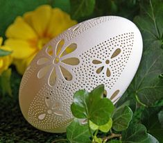 Eggshell of Polish goose - handmade sculpted. Directly from Warsaw. Before carving patterns, shell is thoroughly cleaned and smoothed. Each design is unique, specially prepared and hand-made. When the holes are already cutted, the egg must be further immersed in acid to get rid of the inner