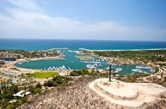 PUERTO LOS CABOS - Custom home sites offer beach, ocean and golf course views. Private residence clubs provide the utmost in attentive service. Closer to the marina, elegant condominium homes and multi-use properties will create a lively, cosmopolitan scene.  - Snell Real Estate