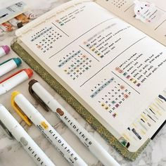 This is such an amazing idea for the bullet journal! Every year I get more organized and I love it! Can't wait to try this idea in my own planner! Bullet Journal School, Bullet Journal Inspo, Bullet Journal Planner, Bullet Journal Minimalist, Bullet Journal Monthly Spread, Bullet Journal Aesthetic, Bullet Journal Writing, Bullet Journal Ideas Pages, Bullet Journal Layout