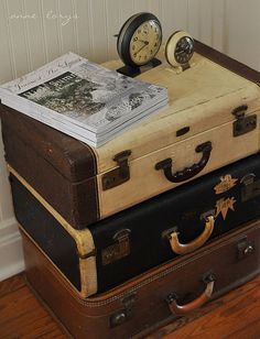 stack vintage suitcases like so to spruce up your entry way
