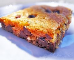 Chocolate chip cookies and vanilla brownies
