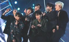 Hi guys! Since a lot of people are commenting on the boy's pages, it might be over whelming for the boys to read. Instead of commenting… Bobby, Ikon Member, Kim Jinhwan, Ikon Debut, Ikon Wallpaper, Fandom, Kpop, Giza, Lee Min Ho
